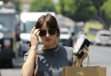 dakota-johnson-shopping-at-the-los-angeles-a.p.c.-store-1