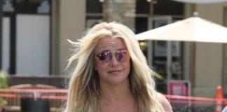 Britney Spears – Out in Westlake