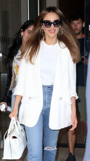 Jessica Alba – Heading to The Late Show in NYC