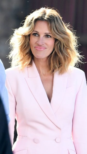 Julia Roberts – Shooting the New Advertising Campaign for Calzedonia in Verona