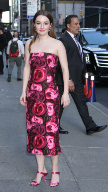 Kaitlyn Dever – Outside The Late Show with Stephen Colbert in NYC