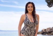 Kelly Brook – Personal Pics