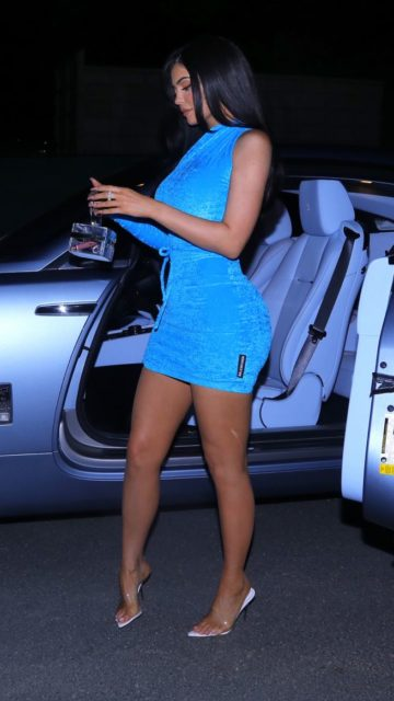 Kylie Jenner Night Out Style – Calabasas