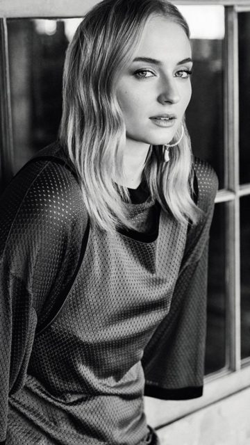 Sophie Turner – S Mode May 2019