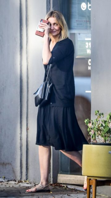 Cameron Diaz at a Nail Salon in Los Angeles