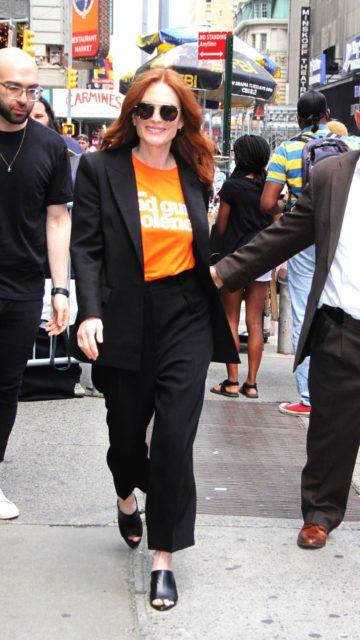 Julianne Moore – Out in New York City