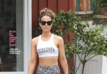 Kate Beckinsale – Leaves Retailer Malia Mills at the Brentwood Country Market