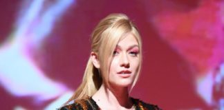 Katherine McNamara – DSquared2 Spring/Summer 2020 Men's Show in Milan