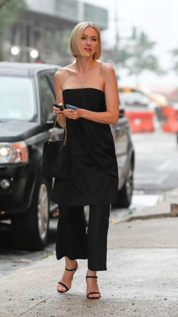 Naomi Watts Shows Off Her Style – New York