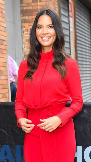 Olivia Munn – Outside The Daily Show With Trevor Noah in New York City