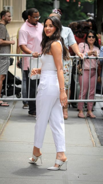 """Olivia Munn – Outside """"The View"""" TV Talk Show in NYC"""