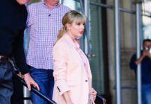 Taylor Swift – Heads Out of Her Apartment in New York