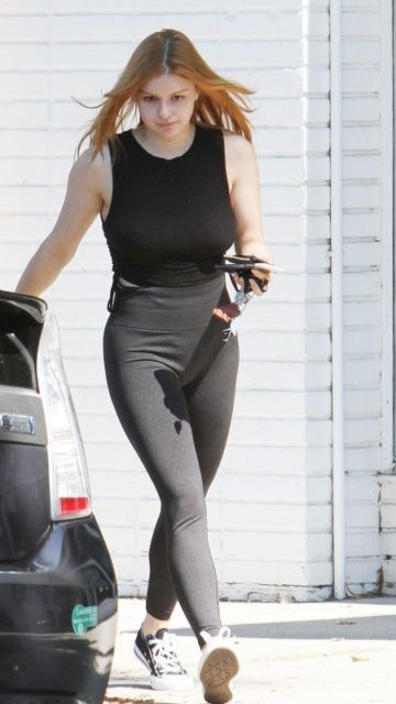 Ariel Winter in Tights – Out in Los Angeles