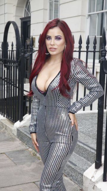 Carla Howe Style – out in London