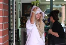 Delilah Hamlin – Leaves a Nail Salon in Beverly Hills