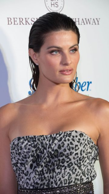 Isabeli Fontana – Swim Issue Release Party in Miami