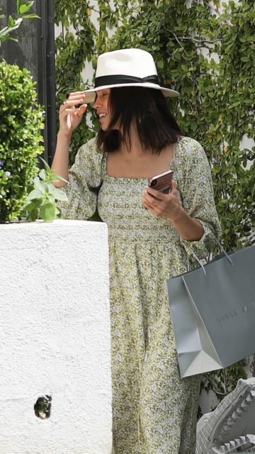 Jenna Dewan in Summer Floral Dress