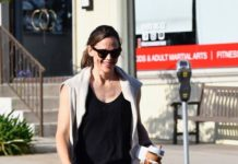 Jennifer Garner – Out in LA