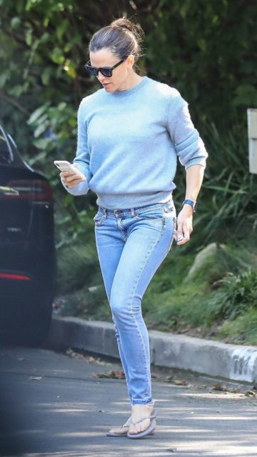 Jennifer Garner – Out in Pacific Palisades