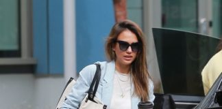 Jessica Alba Cute Style – Heading to Her Office in LA