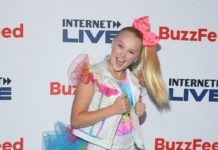 JoJo Siwa – Internet Live By BuzzFeed in NYC