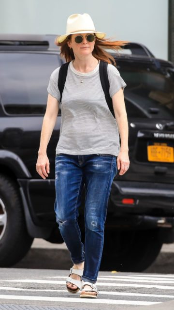 Julianne Moore – Out in NYC