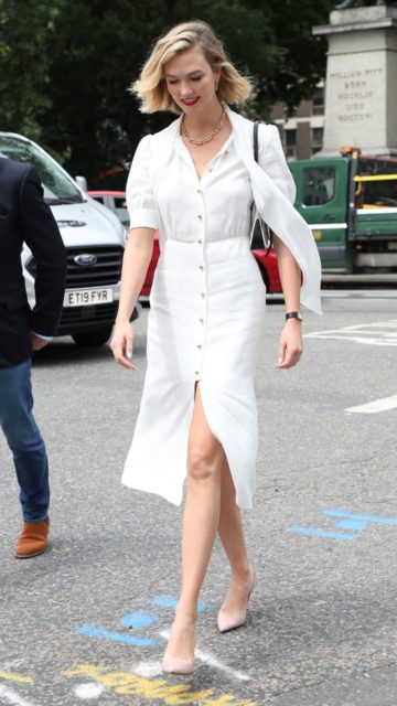 Karlie Kloss – Arriving at Vogue House in London