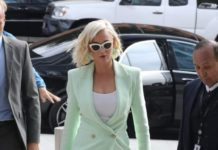Katy Perry – Arriving at a Courthouse in Los Angeles