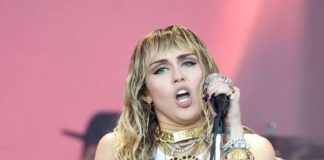 Miley Cyrus – Performs on the Pyramid – Glastonbury Festival