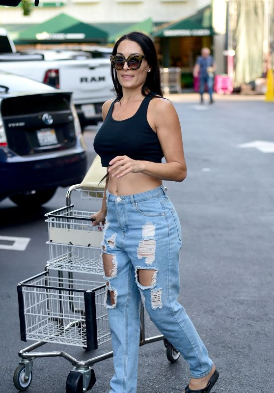 Nikki Bella Street Style – Grocery Shopping in Los Angeles