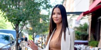 Olivia Munn – Out in New York City