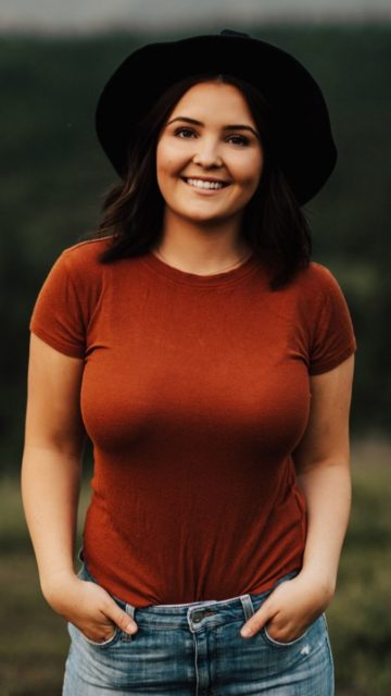 Piper Palin – Photoshoot in Anchorage, July 2019