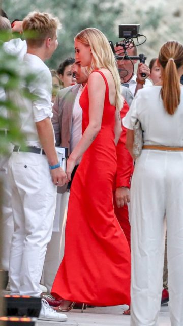 Sophie Turner, Maisie Williams and Priyanka Chopra – Arrive for Pre-Wedding Party at La Mirande in Avignon