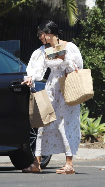 Vanessa Hudgens – Coffee Run in LA