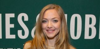 """Amanda Seyfried – """"The Art of Racing in the Rain"""" Book Signing in Los Angeles"""