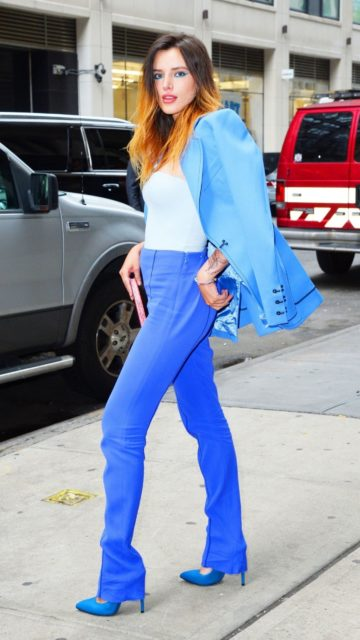 Bella Thorne – Promoting Her New Book in NYC