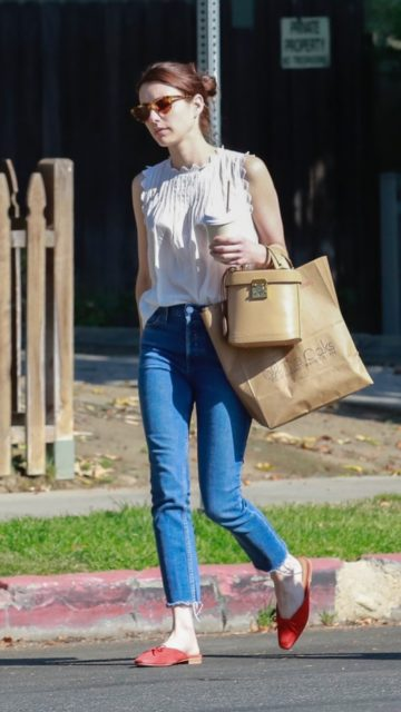 Emma Roberts – Picking up Food From The Oaks Gourmet in LA