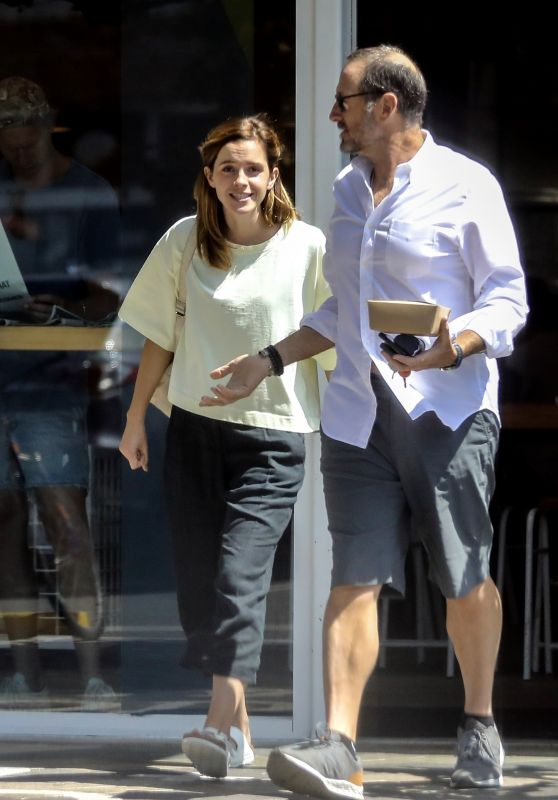 Emma Watson – Out for Lunch in Santa Monica