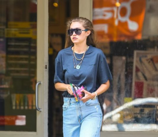 Gigi Hadid – Blick Art Store in NYC