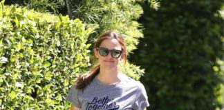 Jennifer Garner in Casual Outfit – Los Angeles