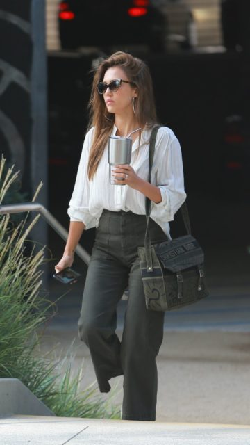 Jessica Alba Casual Style – Heads to the Office in Los Angeles