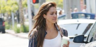 Jessica Alba – Out in Beverly Hills