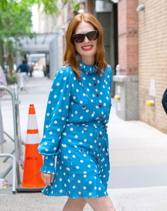 Julianne Moore – Kelly and Ryan Show in NYC