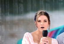 Maia Mitchell and KJ Apa – Speak Onstage During FOX's Teen Choice Awards 2019