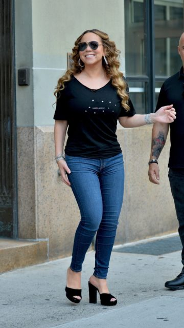 Mariah Carey in Tight Jeans – New York City
