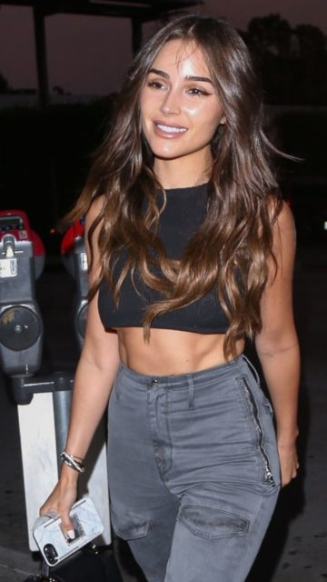 Olivia Culpo Night Out Style – Catch Restaurant in West Hollywood