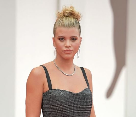 "Sofia Richie on Red Carpet – ""La Vérité"" Screening in Venice"
