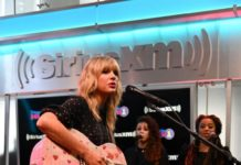 Taylor Swift – Performing at SiriusXM Studios in NYC