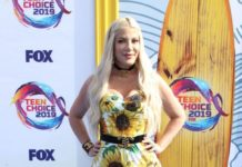 Tori Spelling – FOX's Teen Choice Awards 2019