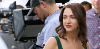 "Violett Beane – ""God Friended Me"" Set in Soho, New York City"